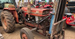MASSEY FERGUSON 165 2WD TRACTOR WITH FRONT MOUNTED FORKLIFT