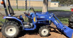 ISEKI 3240 DIESEL TRACTOR WITH SELF LEVELLING FRONT END LOADER